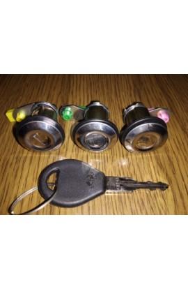 Набор сердцевин дверных замков и багажника Nissan Bluebird T72 /T12 / U11